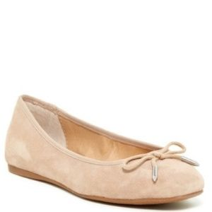 NWOT DV by Dolce Vita Renegade Flat, Nude Suede