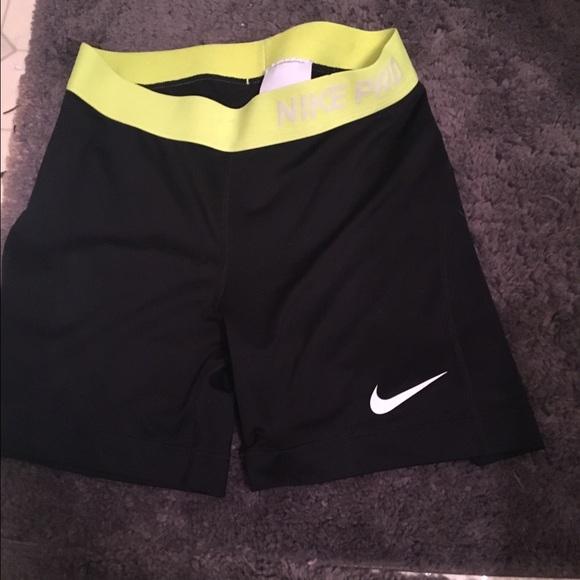 5 inch nike shorts