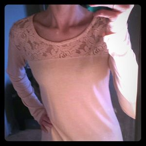 NWOT Long sleeve lace detail a.n.a top