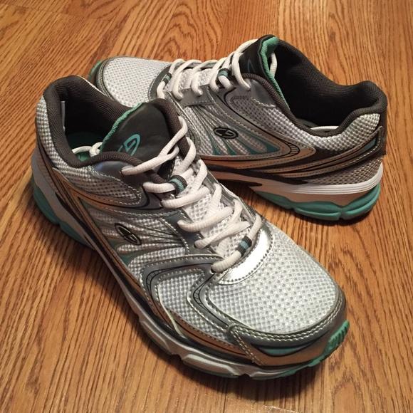 b42ce73fa42e Champion Shoes - ✨SALE✨ Champion Sneakers