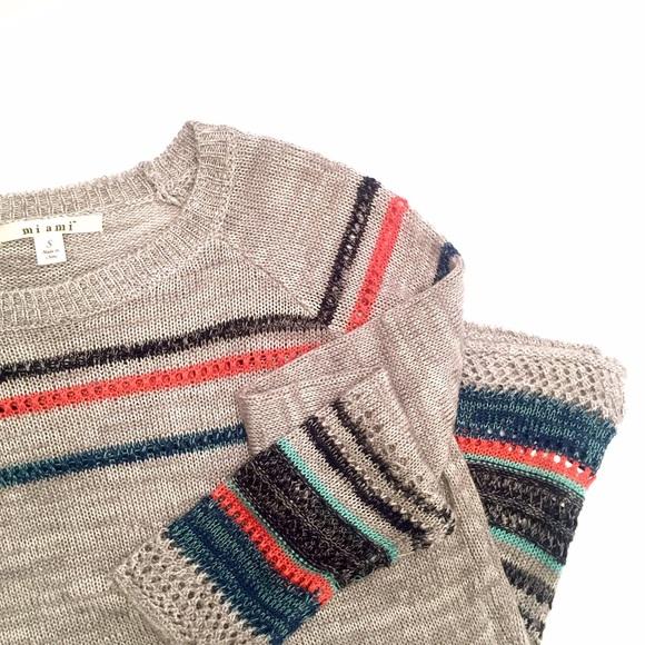 4a959263a15 Multi colored knit sweater • Francesca s. M 56db86d298182920ef041dc4