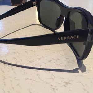 2c8c262fd1b6 Versace Accessories - ALL BLACK VERSACE WAYFARER