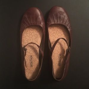Brown genuine leather flats
