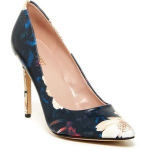 Nine West Shoes - 🆕 Nine West Floral Pumps