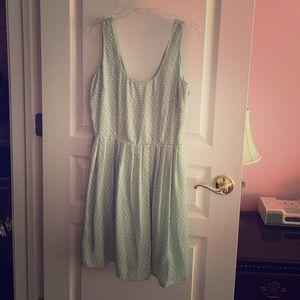 Dresses & Skirts - Super cute sundress!