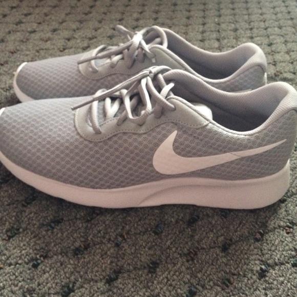 5721e456e6860 ... tanjung nike tanjun wolf grey white 812654 010 ss16 d037a 10d2d   closeout nike shoes brand new mens nike tanjun sneakers size 9.5 8d873 8fca7