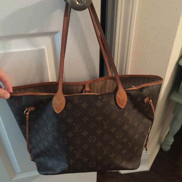 afc5265ad26a Louis Vuitton Handbags - 🌟SALE! Louis Vuitton neverfull MM LV monogram bag