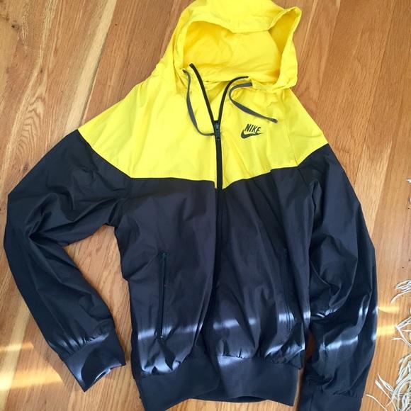 f3aa0e4799 Nike Color Block Windbreaker. M 56dc8d97bcd4a7ba7a05998b