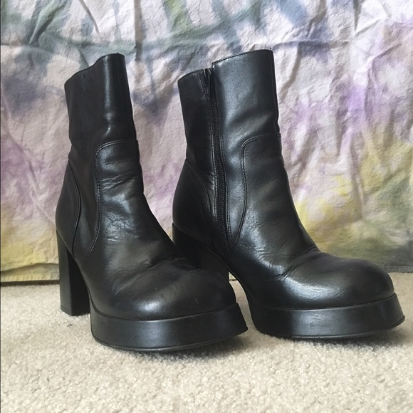 025a608c219 Vintage 90s Steve Madden Leather Patrice Boots