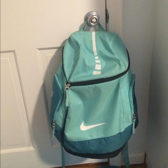 42802d595053 Nike Elite Bag. M 56dc98c3680278451e05ade5
