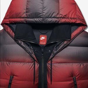 Nike brand new coat price 260$.