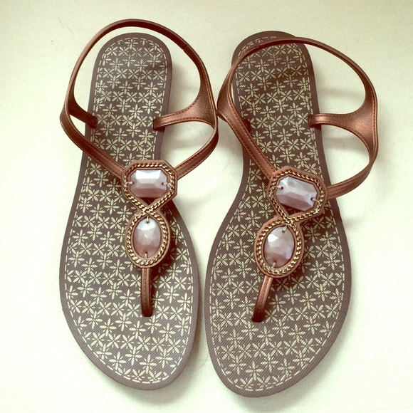 656bce4a9c7a Grendene Shoes - Cute sandals with gem accents - Brazil made