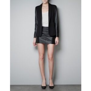 ZARA Black Blazer with Faux Leather Sleeves (M)