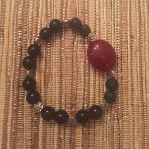 Jewelry - Stretchy beaded bracelet