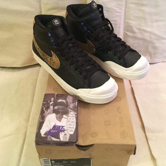 reputable site c46a3 c0f00 Stussy x Nike All Court Mid