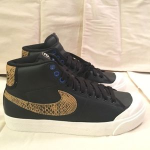 58ad451af63 Nike Shoes - Stussy x Nike All Court Mid
