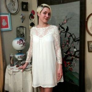 For Love and Lemons Dresses & Skirts - BOGO 50% Love and Lemons White Lace Bonita Dress