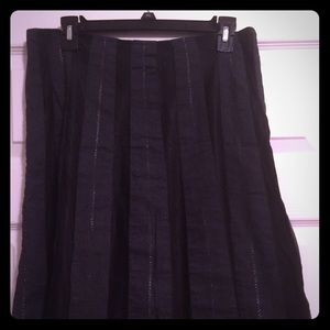 Old Navy Mid-Length black/gray skirt, Size 6