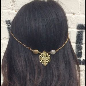 Accessories - Hair Clip on chain jewelry with stones