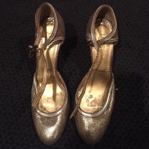 Gorgeous J. Crew gold/silver crackle heels 7