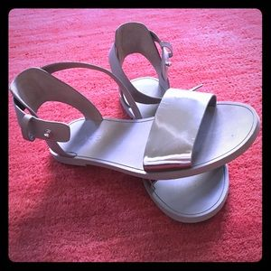 Reposh Vince Metallic Silver Sandel