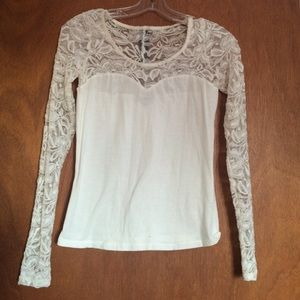 Tops - White Sweetheart Lace Long Sleeve (Size Small)