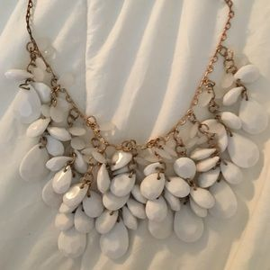 Gorgeous statement necklace.
