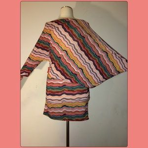 Snap Tops - Snap Asymmetrical sleeve Tunic/ Top Size Medium