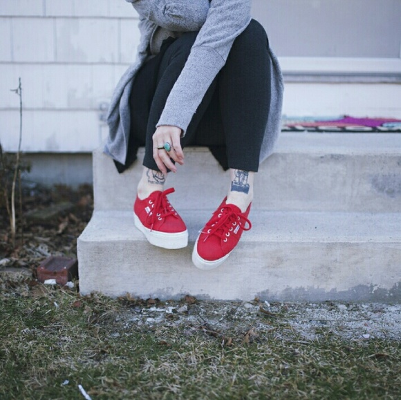 a0cadb89b8e5 Red Superga Canvas Platform Sneakers. M 56ddb0797f0a05dd92017b2f