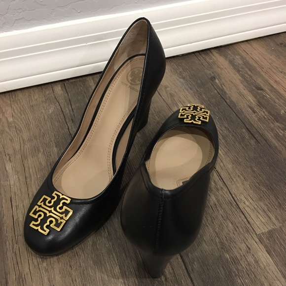 Tory Burch Melinda Wedge Pump in Black SZ 10 $285