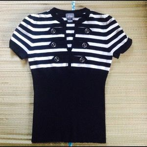 Dots Tops - ⭐️ Cute Black & White Striped Sweater