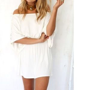 White flowy sabo skirt dress!