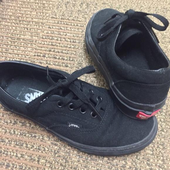 vans authentic all black shoes