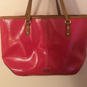 Nine West hot pink patent leather purse