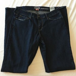 Levi's Denim - Bootleg Dark Wash Denim Jeanz