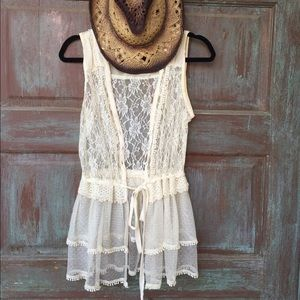 Lace cream wrap & sheer sleeveless blouse. Size M