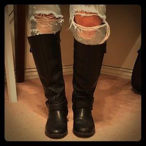 Tall flat Black REPORT boots, 6