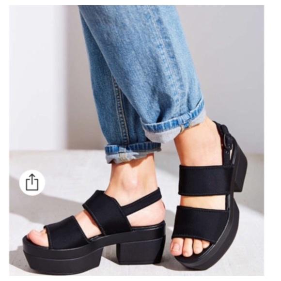 7c2e2d16b568 Urban Outfitters Vagabond Lindy Platform Sandals