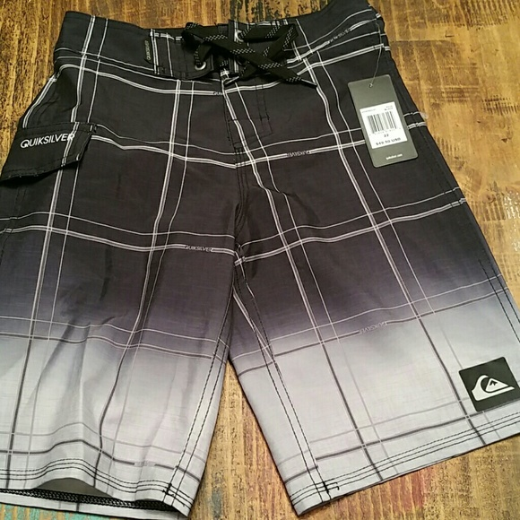 NWT Quiksilver Boys Board Shorts Bathing Suit Sz 16 BLACK GRAY