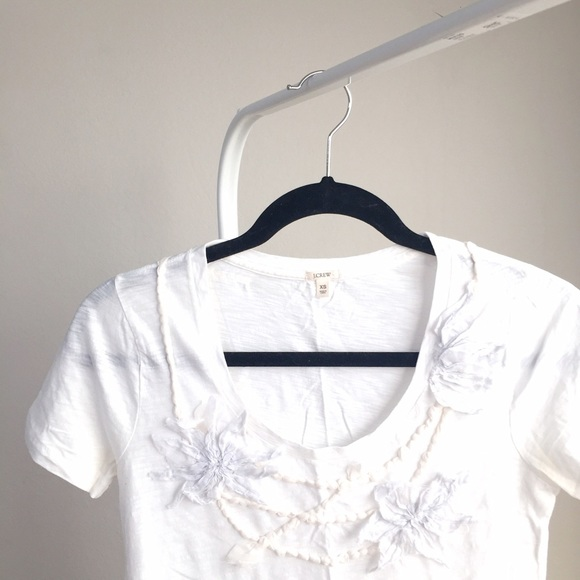 J. Crew Tops - NEW JCrew white t-shirt w 3D floral collar design