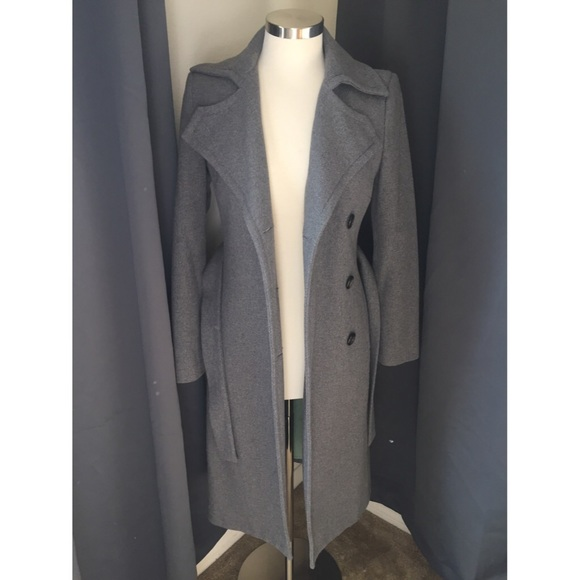 Gorg classic Sisley gray wool belted trench coat. M 56de55bc6d64bcf757010a2d 81a10dce1
