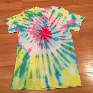 Tops - Cute Tye dye shirt