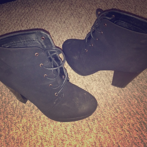 29 mossimo supply co shoes all black bootie heels