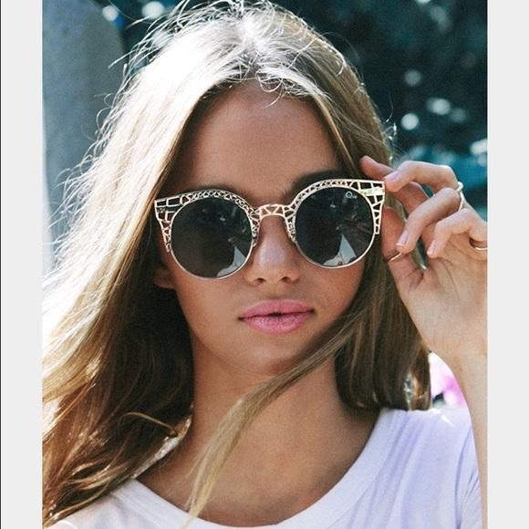 8aa243cef6 Quay Fleur Round Cat-Eye Sunglasses. M 56de7c5213302a785f014a58
