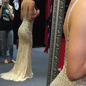 Jovani Dresses - DO NOT BUY UNLESS LILY Viranski prom dress