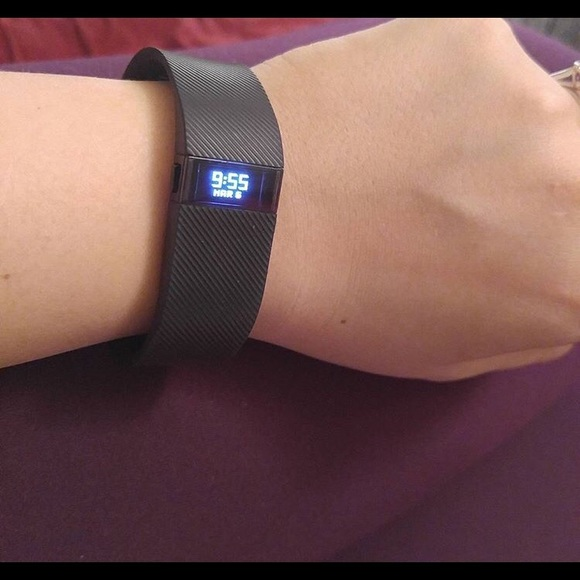 how to turn off fitbit charge