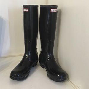 Hunter tall gloss boots