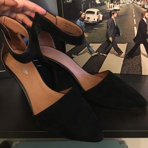 Jeffrey campbell ankle strap pointed heels