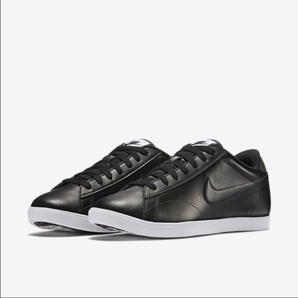 2161b9e76362 Like New👍Nike Raquette in black leather🎱. M 5842dd842599fe459f02bc6a