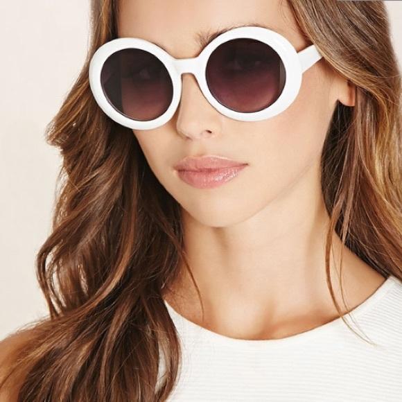 fadd5becc2b Forever 21 Accessories - White round glasses